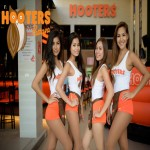 Beautiful Thai girls at Hooters Pattaya