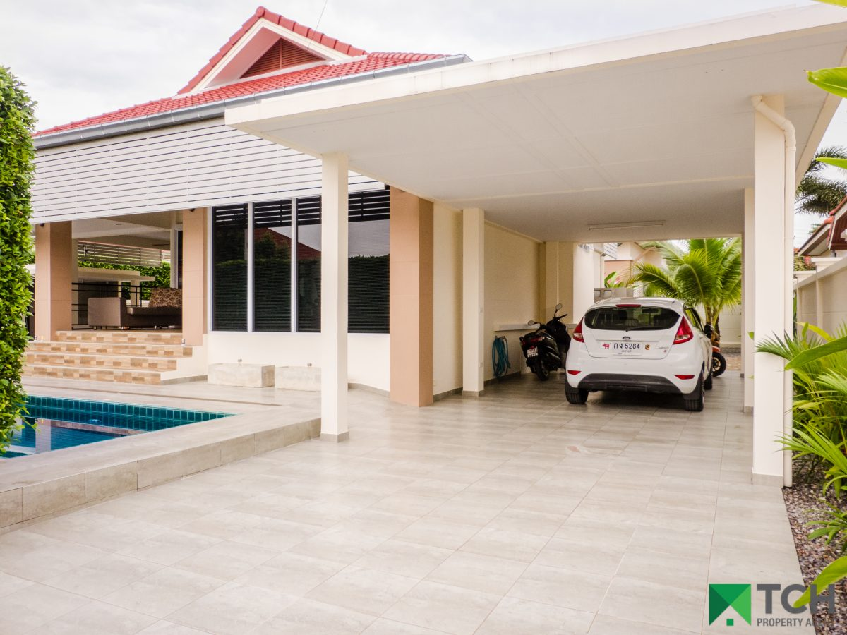 PROPERTY OF THE WEEK: 3 Bedroom Pool Villa Very Well Maintained 7km from the Centre of town